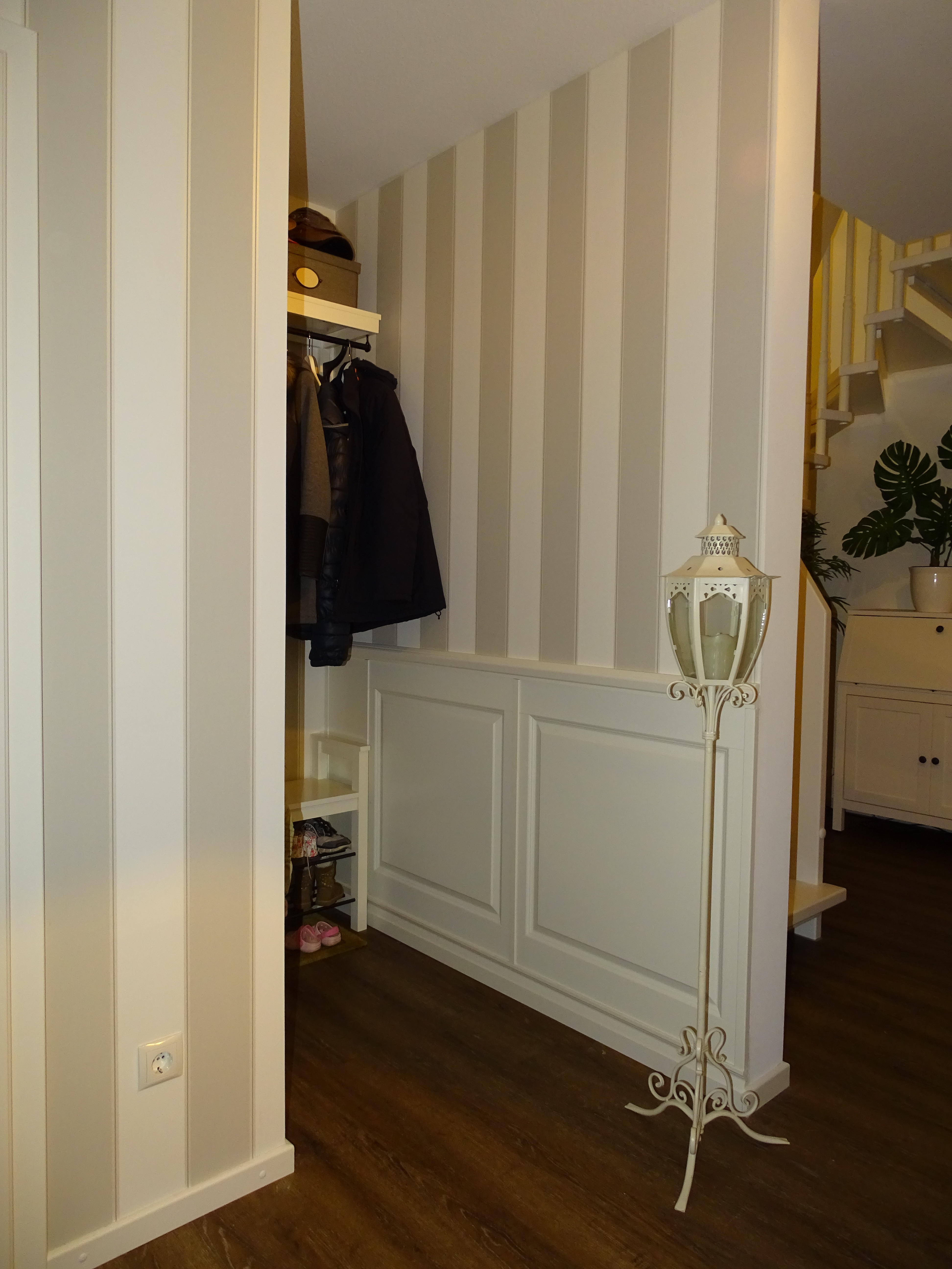 www.Landhaus-Wandvertaefelungen.de - Klassisches Design ...